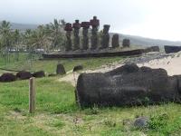 Anakena: moaïs sur la plage