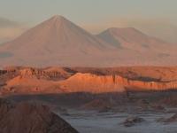 Le Licancabur (5900m) depuis la vallée de la lune