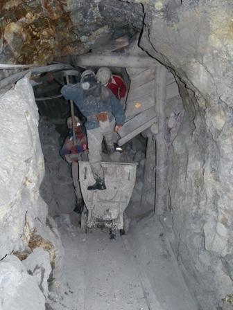 Des mineurs en plein travail